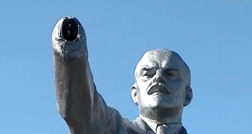 Памятнику Ленина в Набережных Челнах изготовили антивандальную съемную руку