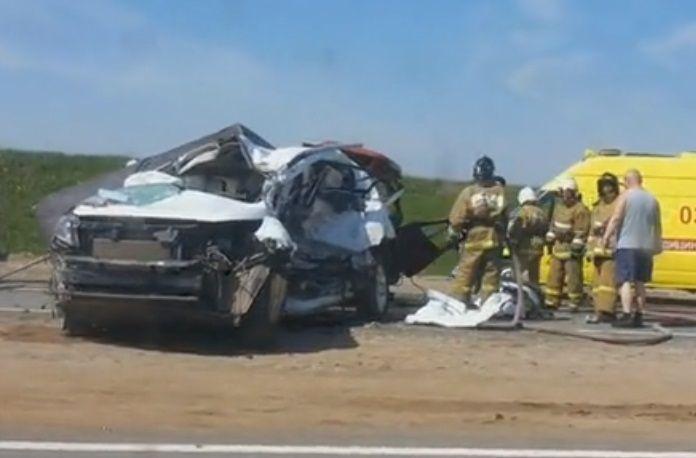 На трассе М-7 столкнулись KIA и «УАЗ», погибли два человека