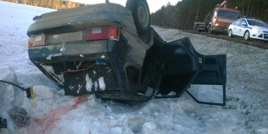 Машина с пассажирами под Нижнекамском вылетела в кювет и перевернулась