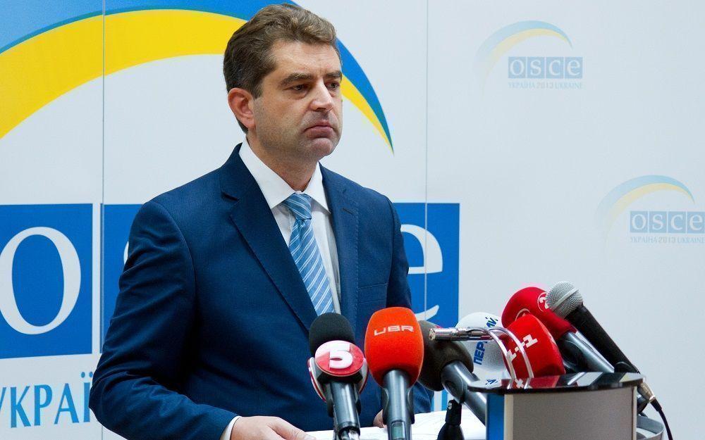 МИД Украины: мы требуем от России прекратить посылать гуманитарные конвои на юго-восток страны