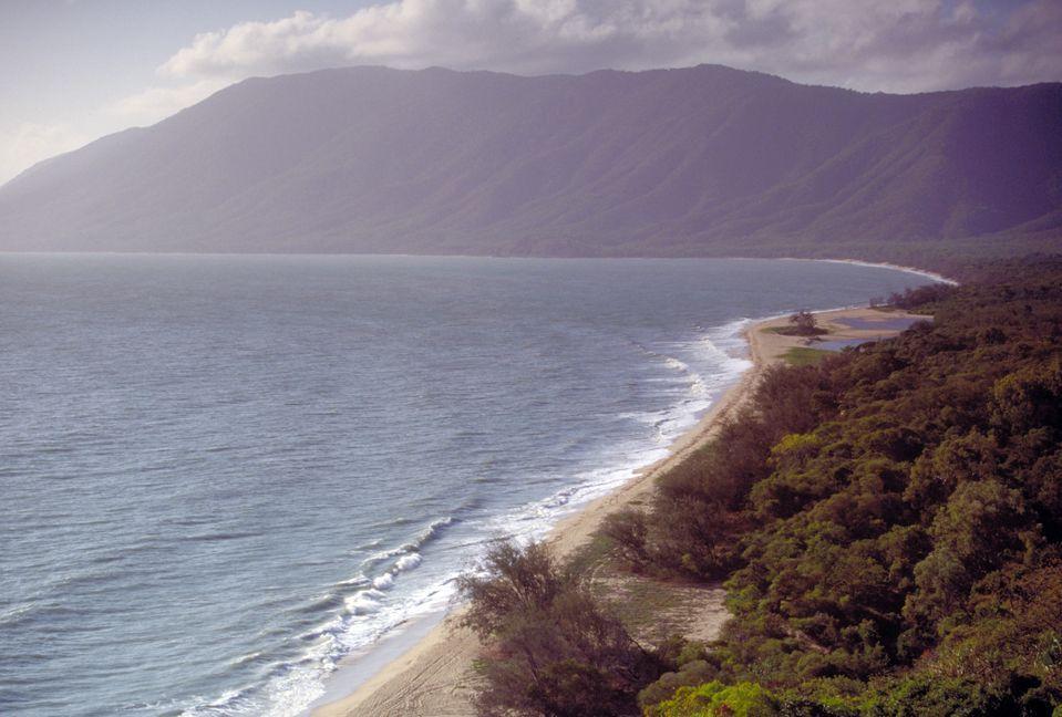 На побережье Австралии нашли предполагаемые обломки малайзийского лайнера