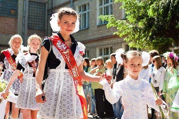 Последний звонок в Нижнекамске отмечают почти 4 тысячи выпускников