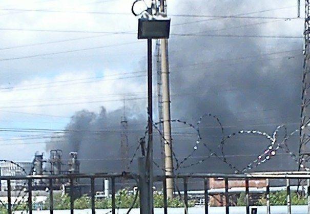 На заводе «Нижнекамскнефтехима» загорелись остатки нефтепродуктов