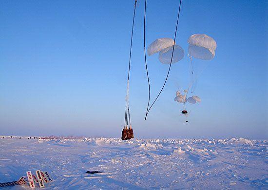 Военные летчики закончили доставку грузов на новую российскую полярную станцию