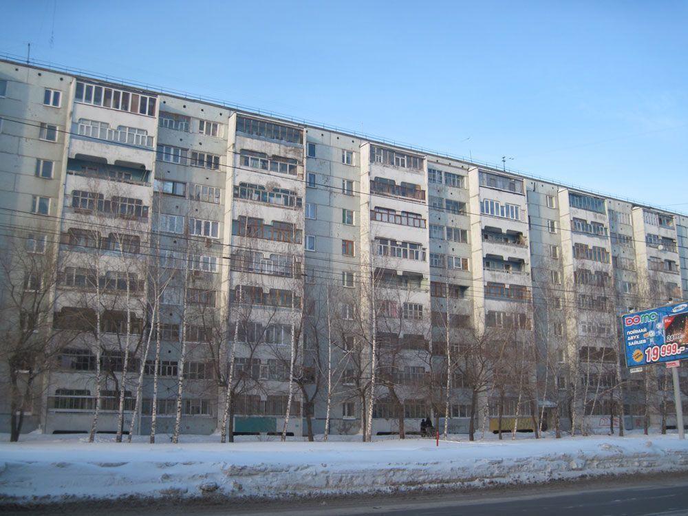 В Казани на улице Сафиуллина от дома отвалился кусок стены