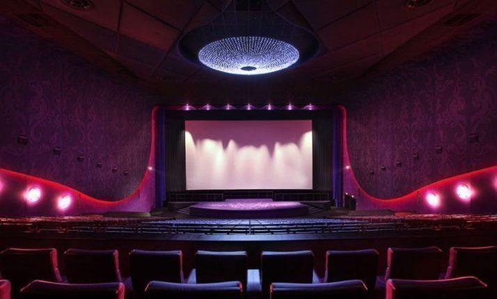 Половину американских фильмов уберут из кинотеатров