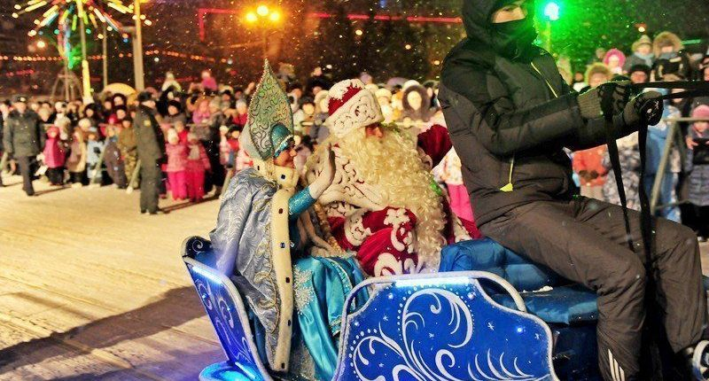 В Челнах Главный Дед Мороз России открыл центральную елку