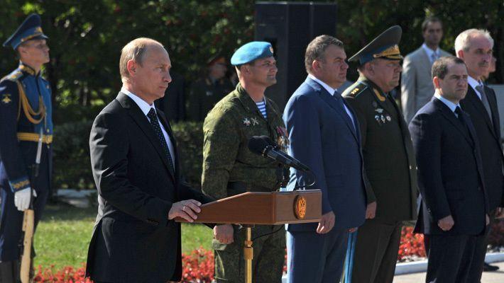 Путин поздравил личный состав и ветеранов ВДВ с профессиональным праздником