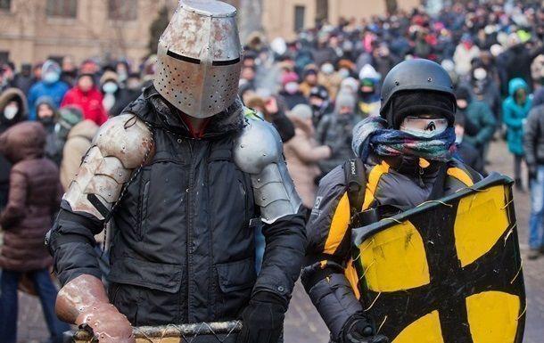 Около полусотни милиционеров пострадали в столкновениях в Киеве