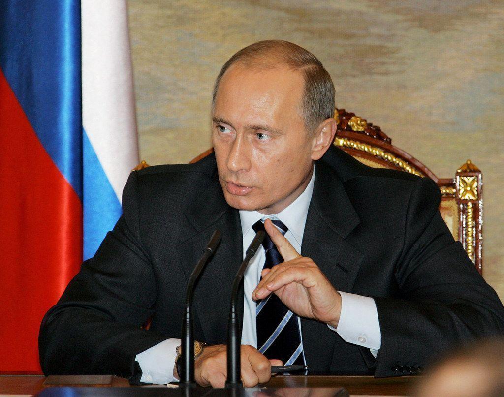 Путин поручил сформировать комиссию для расследования причин авиакатастрофы в Казани