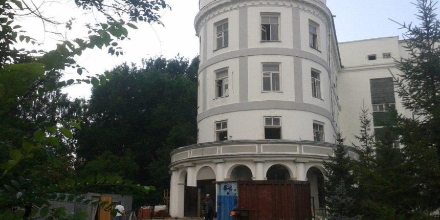 В Казани на капремонт закрывается горбольница №5: в здании стало небезопасно находиться персоналу и пациентам