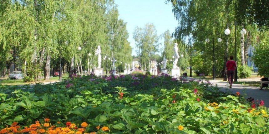 Районы республики ищут деньги на озеленение парков и скверов