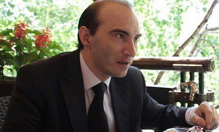 Армандо Диамантэ пообещал повысить зарплату актерам театра «Мастеровые»
