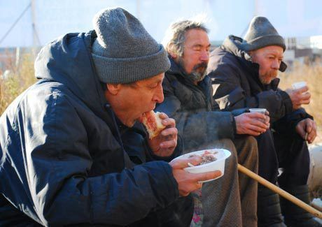 Жаркое из говядины подают по воскресеньям бомжам Набережных Челнов