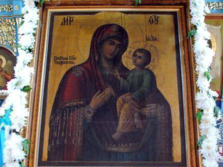 Тихвинская икона Божией Матери «Чадоподательница» доставлена в Боровецкую церковь Набережных Челнов
