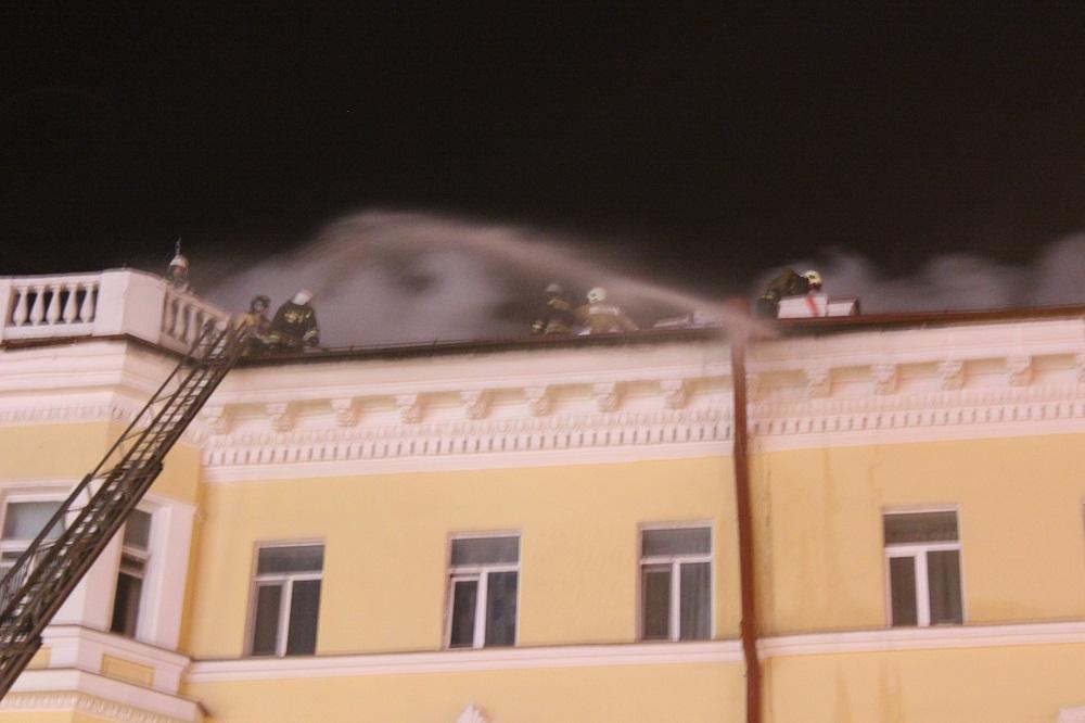 Устроивших пожар вцентре Казани вынудили выплатить 22,5 млн руб.