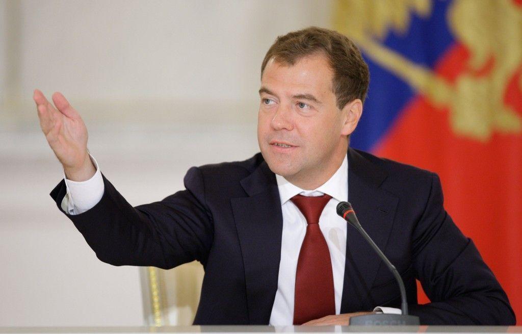 Дмитрий Медведев распорядился создать оргкомитет по проведению ЧМ по водным видам спорта в Казани