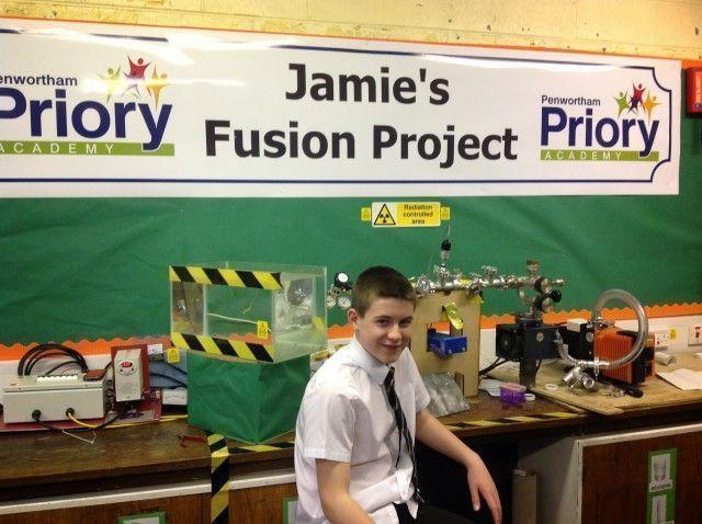 Британский школьник в возрасте 13 лет собрал термоядерный реактор