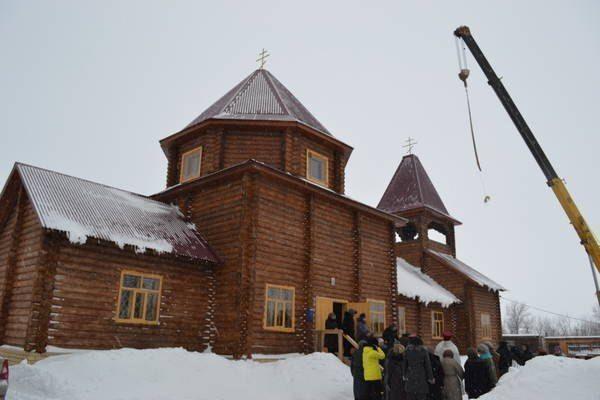 В Чистополе осветили колокола в новом храме и открыли молельную комнату в психо-неврологическом интернате