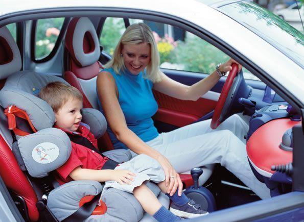 ГИБДД Казани призывает водителей не забывать о детских креслах для перевозки детей