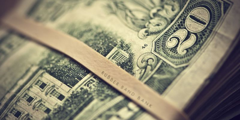 Через три года доллар может стоить около 40 рублей – правительство РФ