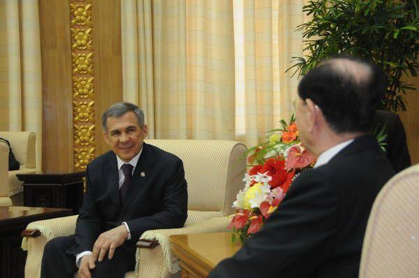 Рустам Минниханов встретился с председателем Верховного народного совета КНДР