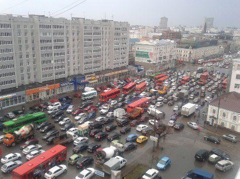 Самая длинная пробка Казани продержалась 6 часов 50 минут