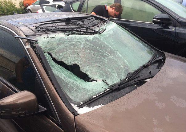 Последствия урагана в Казани: 20 пострадавших, 1000 упавших деревьев, сорванные кровли и линии электропередач