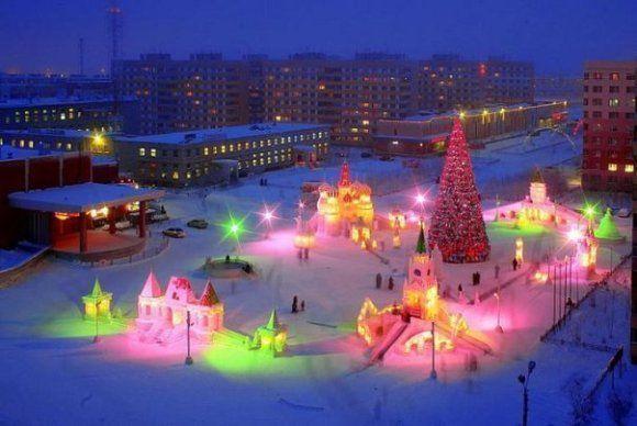Сегодня и 28 декабря откроются ёлки в Кировском и Московском районах Казани