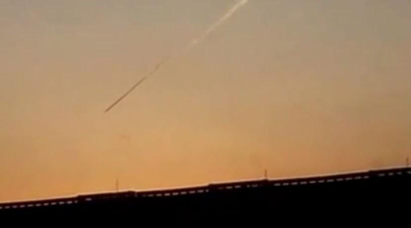 В Сибири мужчина снял на видео падающий НЛО