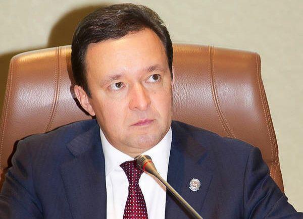 Ильдар Халиков заработал в 2013 году 4,4 млн рублей, его супруга – в семь раз больше