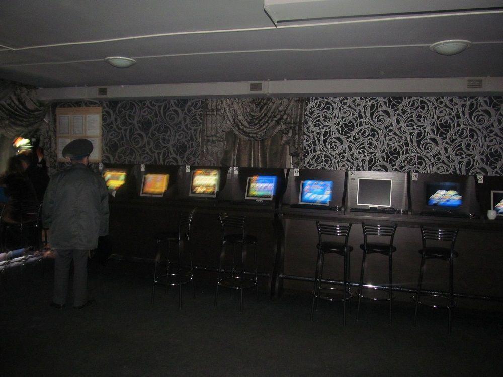 Три игровых салона закрыли полицейские в Нижнекамске
