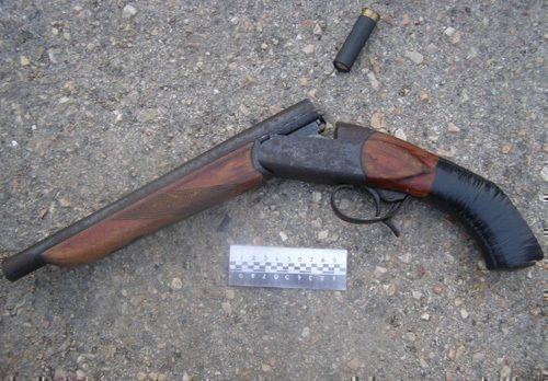 В Татарстане полицейские задержали вооруженного уголовника