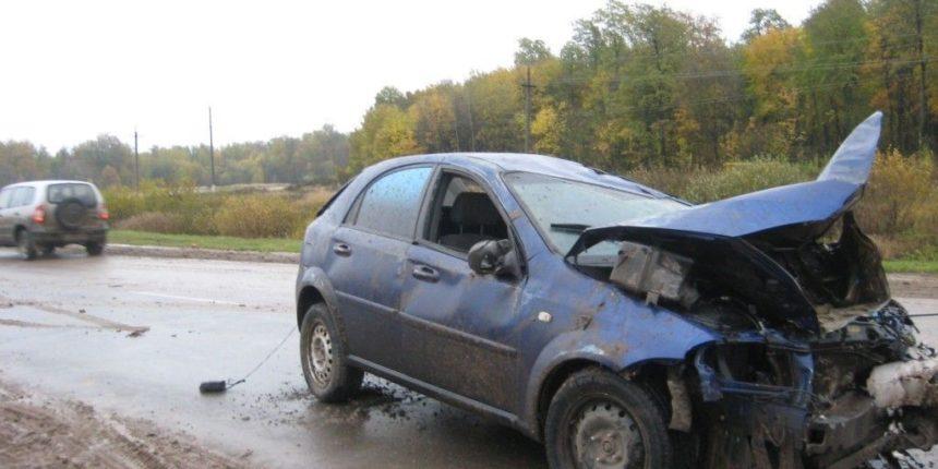 На трассе в Верхнеуслонском районе столкнулись три автомобиля