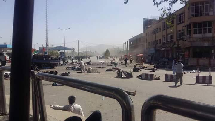 Как минимум 50 человек погибли при взрывах намитинге вКабуле