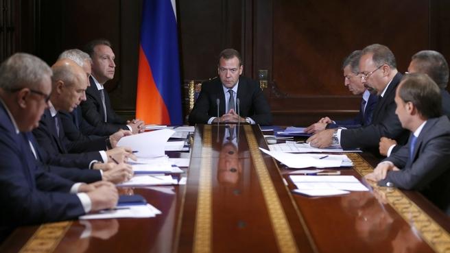 Руководство несомненно поможет регионам воплотить жилищные программы— Медведев