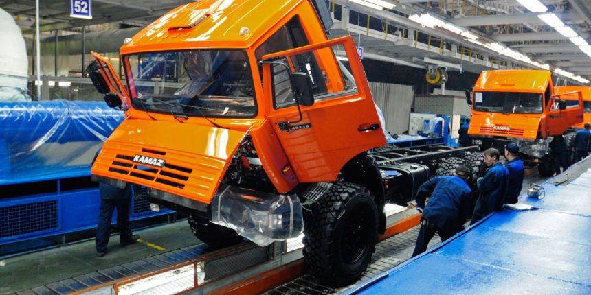 Продажи новых грузовых авто в РФ летом возросли на21%