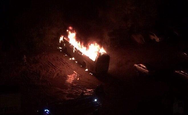 ВКазани настоянке сгорел личный автобус