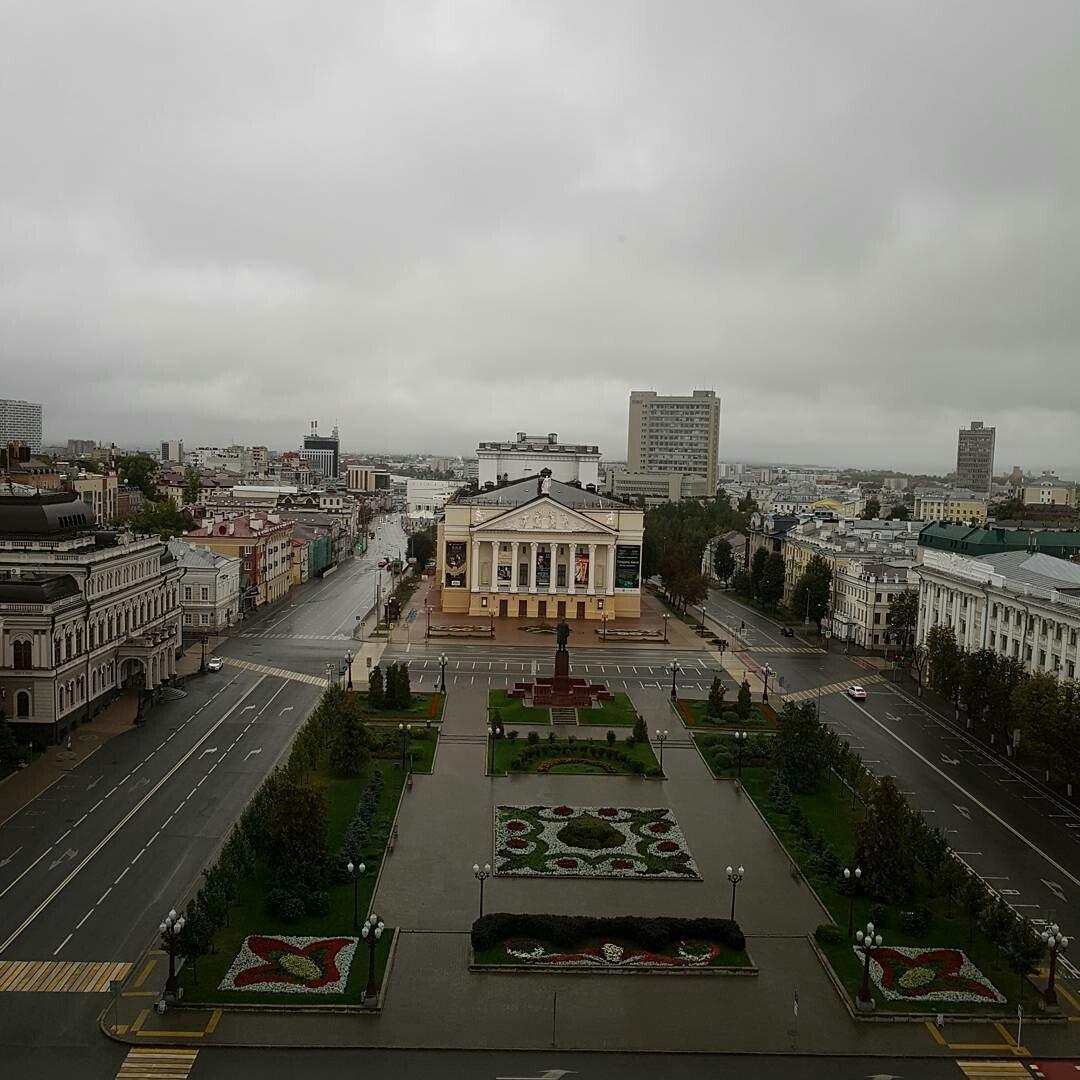 Минниханов осмотрел новый электротранспорт Казани