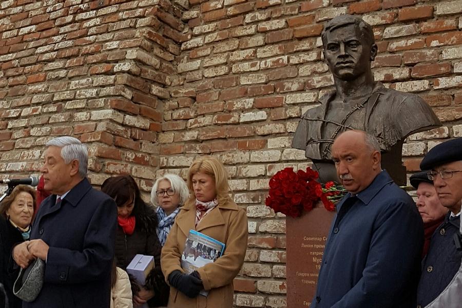 ВКФУ открыли монумент поэту Мусе Джалилю