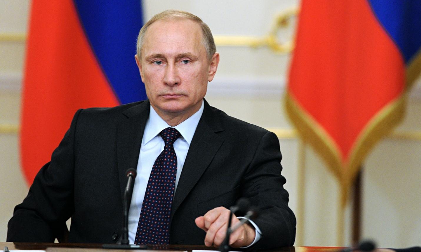 Путин поведал о положительных тенденциях вряде секторов экономики РФ
