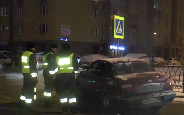 «Голливудская» погоня вКазани: нарушитель ПДД пытался сбежать отполицейских подворам