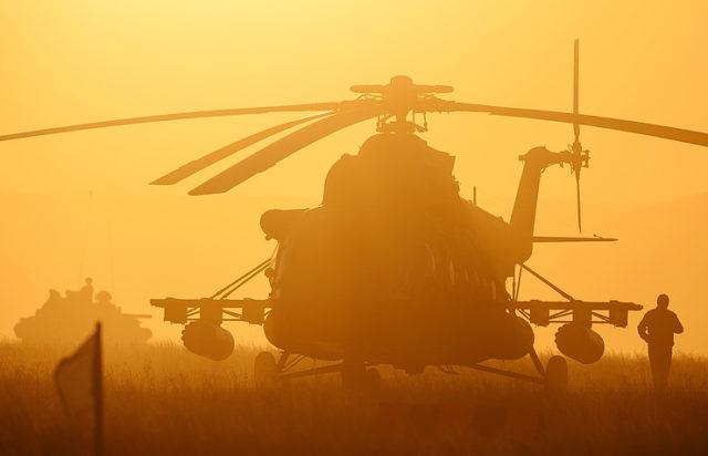 Вглобальной web-сети появилось видео предполагаемого обстрела вертолёта ВКСРФ вСирии