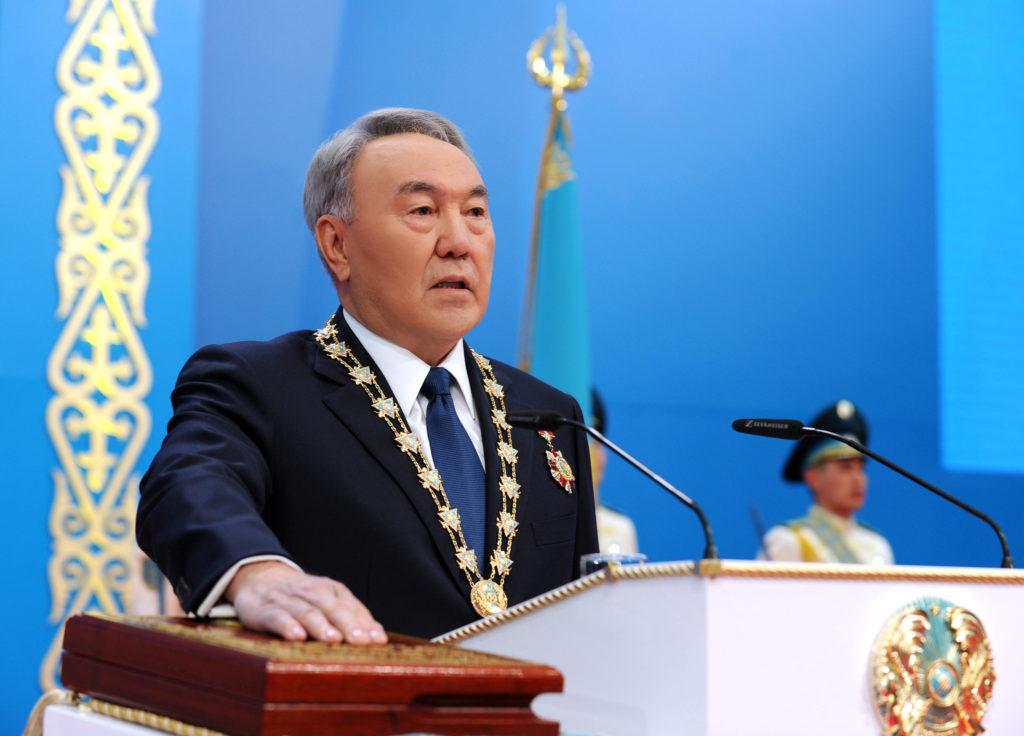 Таможенный союз (тс) и евразийский экономический союз (еэс) не ущемляют суверенитет казахстана, считает председатель конституционного совета рк игорь рогов