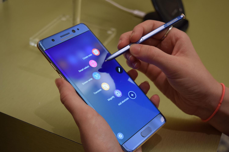 В Самсунг выявили причину взрывов Galaxy Note7