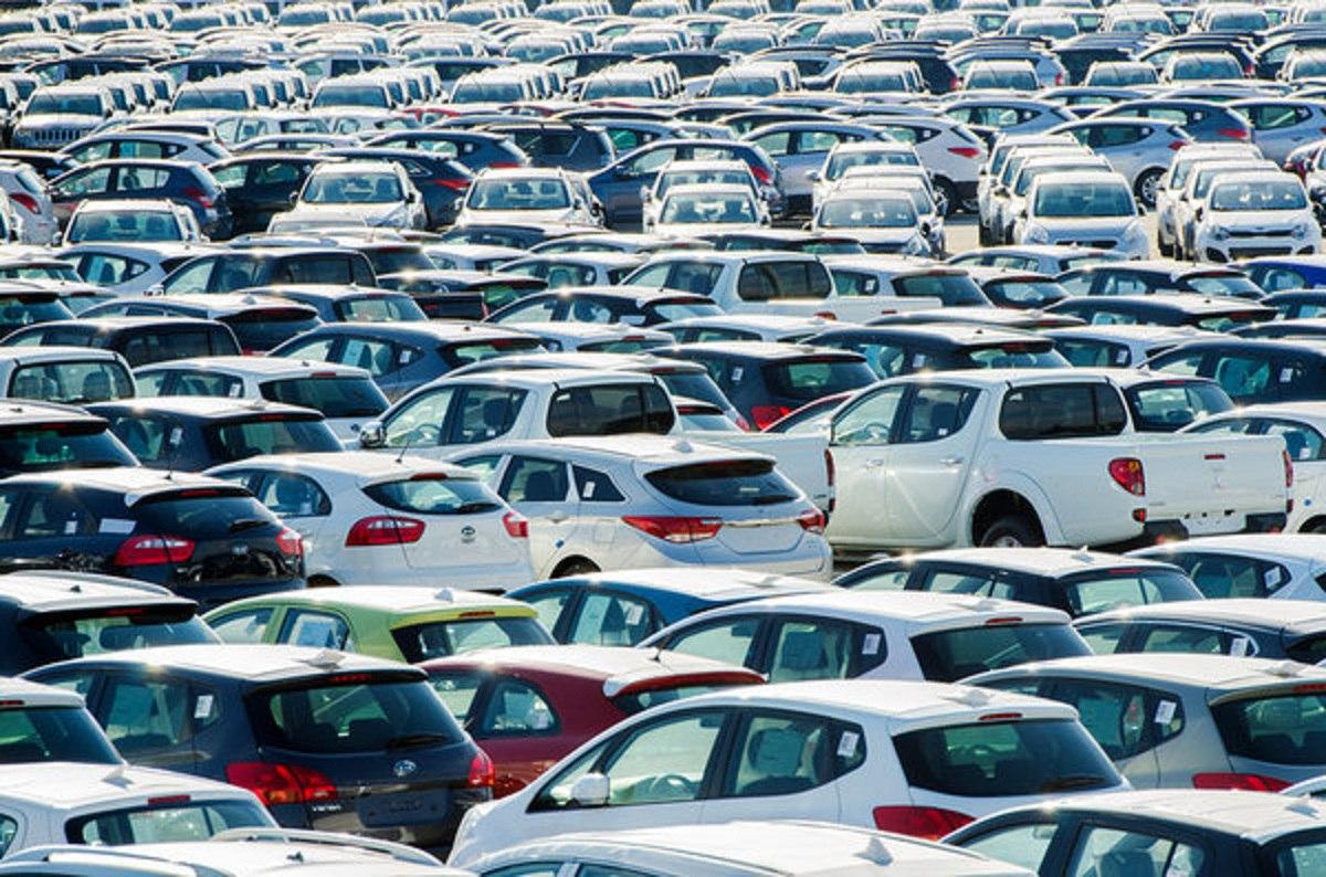 Доля «кредитных» авто впродажах достигла 44%