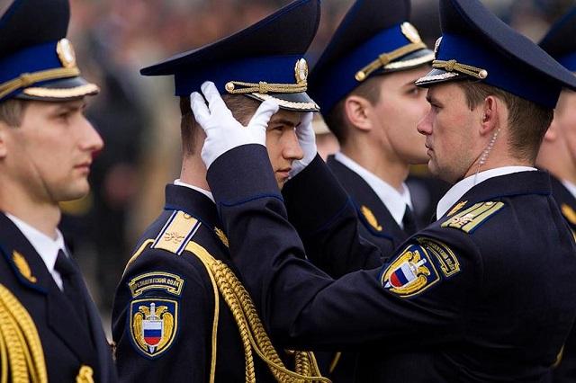 Путин предложил разрешить ФСО воспрещать движение наохраняемых трассах