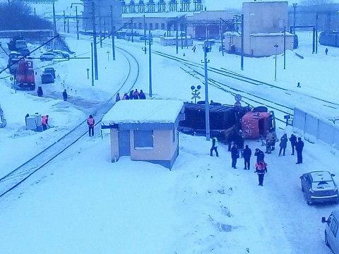 Напереезде вЮдино столкнулись поезд иКАМАЗ