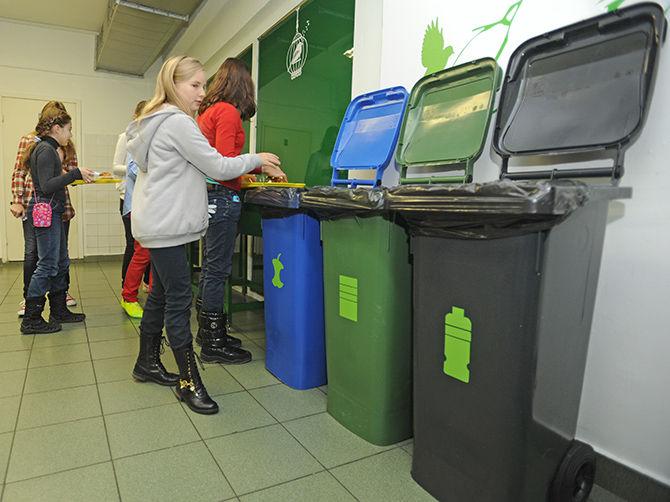 Работа экспериментальной школьной столовой в Москве