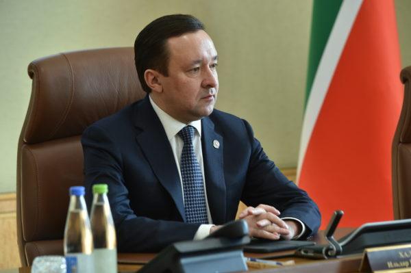 Ильдар Халиков провел совещание по задачам организации горячего питания вшколах республики